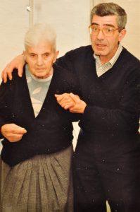 1992 Luis y su madre Consuelo